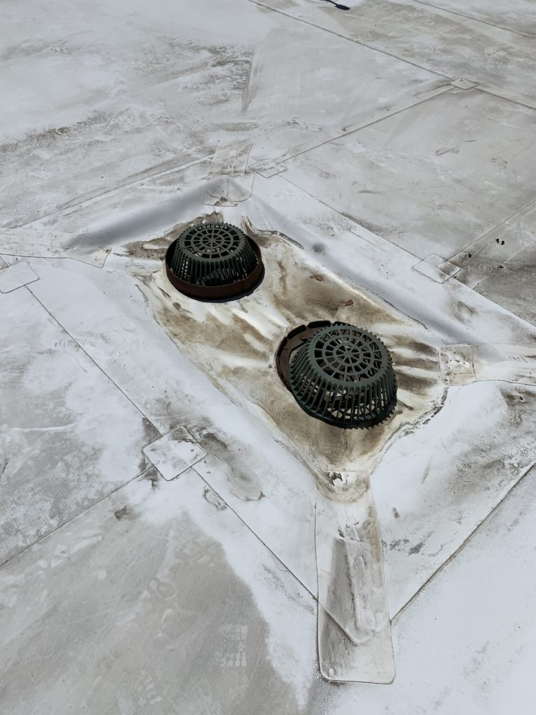 Causes of Grease in Commercial Roofing